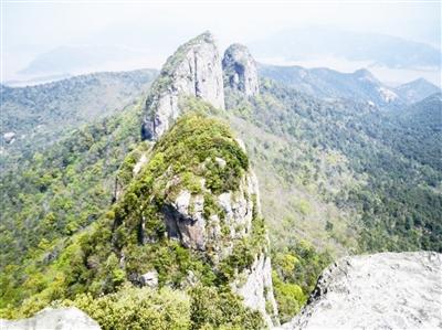 重阳登山赏秋景
